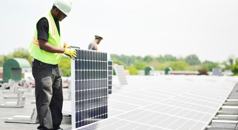 Protection solaire toit rénovation énergétique en Martinique